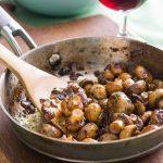 Sauteed mushrooms with onion
